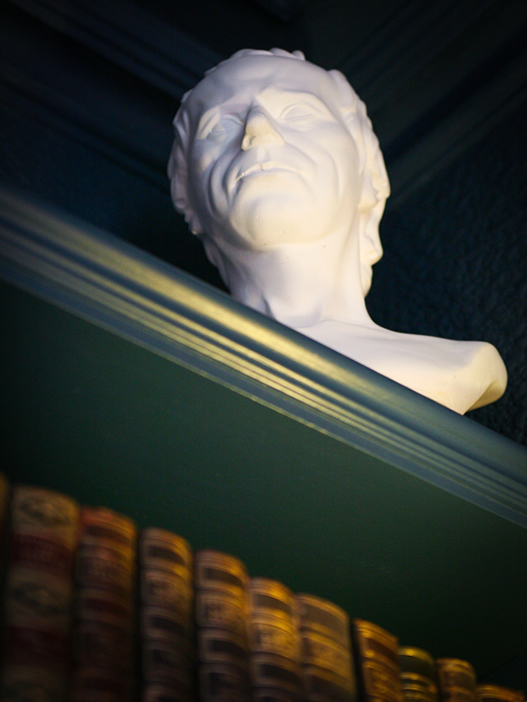 Laurence Sterne bust at the Parisi Hotel York